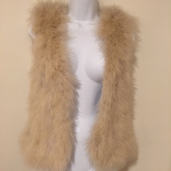 Club Monaco Jackets & Blazers - Fun faux fur Club Monaco Vest with Tags